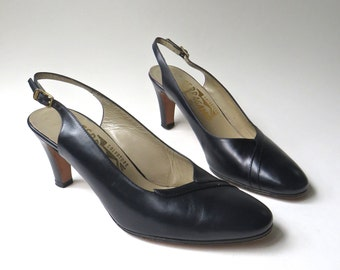 vintage Salvatore Ferragamo Dark Navy Blue Leather Slingback Pumps / made in Italy