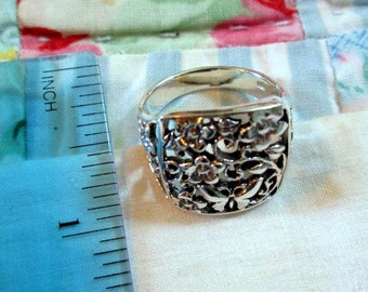 RING - Intricate - FLOWERS - Butterflies  - FILIGREE - 925 - Sterling Silver -- Vintage - 10 1/4   misc201