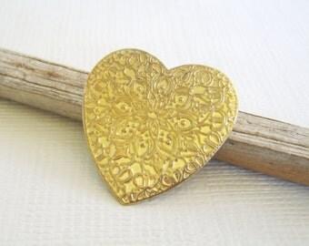 Vintage Scarf Clip, Heart Scarf Clip, Gold Scarf Clip, Gold heart, Embossed heart, Floral Scarf Clip. Scarf Holder, Vintage Dress Clip