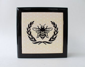 Bee with Laurel Keepsake Box