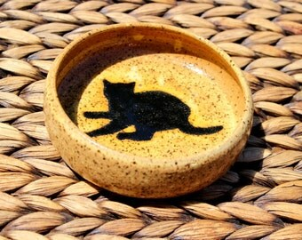 Lovely Handmade Speckled Ivory Stoneware Bowl with CAT SILHOUETTE