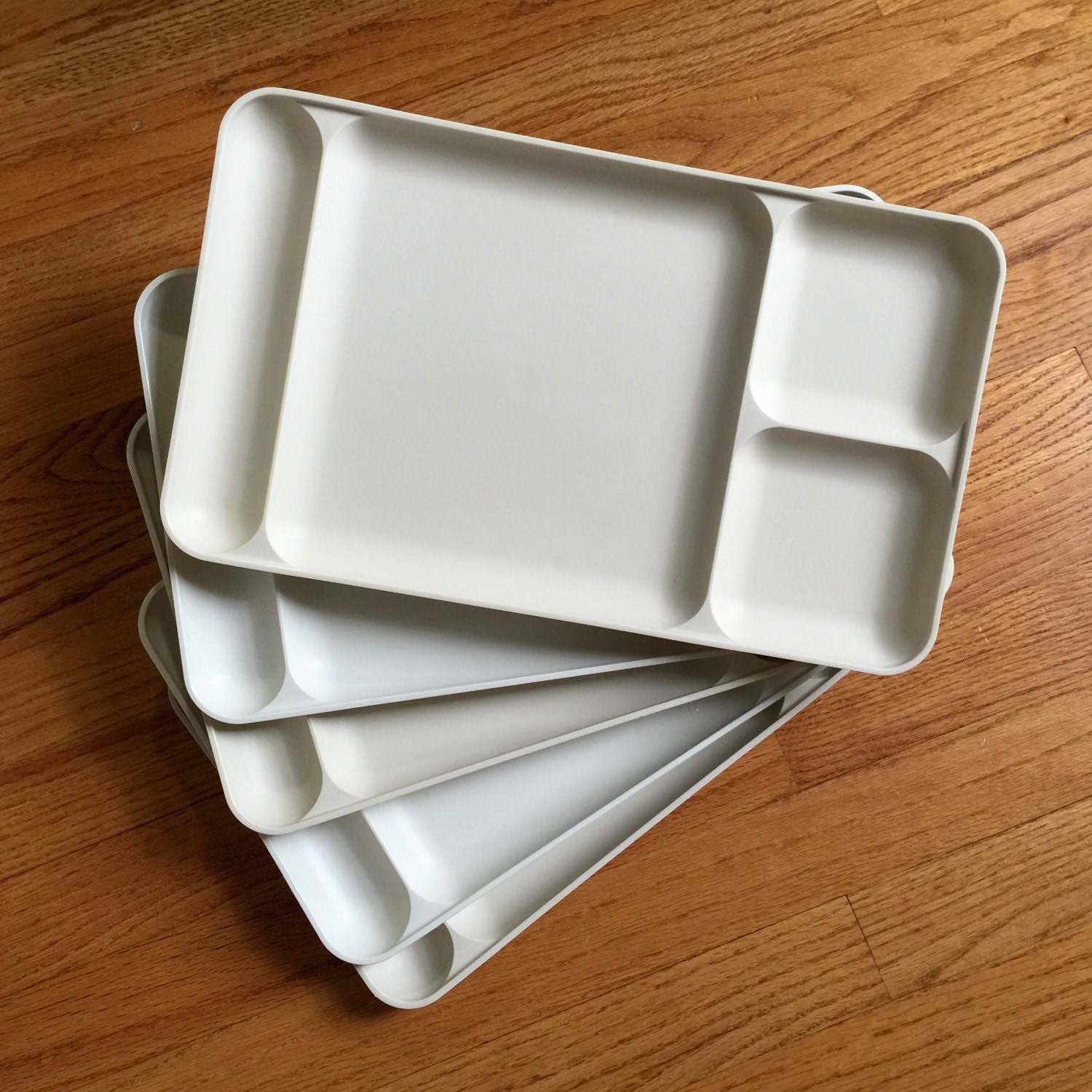 Tupperware Lunch Trays 70s Vgc Set Of 5 Cream And Almond