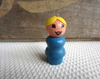 Vintage Mom Fisher Price Little People Woman Mother Blue Body Blonde Yellow Hair