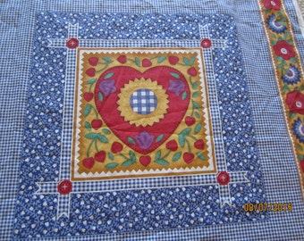 Rare Fabric HEARTS & Flowers Panel Cheater Quilt top HOLLY HOLDERMAN 8 Squares