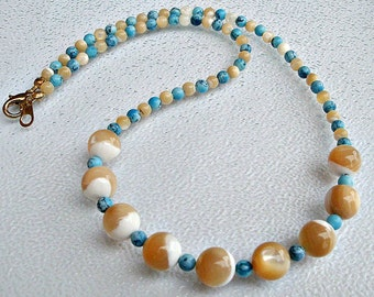 Natural Creamy Shell and Turquoise Neklace. Shell jewelry. Turquoise necklace.