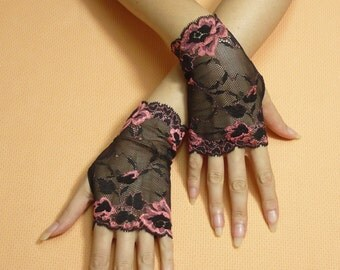 Short Gothic Fingerless Gloves Black Coral, Romantic Steampunk Mittens, Lace Baroque, Victorian Armwarmers in Gypsy Boho Style Armstulpen