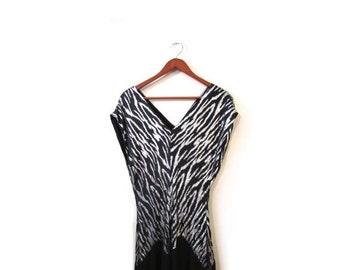 BTS SALE Vintage 80s Black and Silver TIGRESS V Neck Fluttery Evening Dress s m