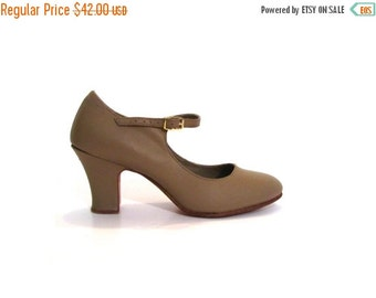 BTS SALE Vintage 80s Preppy Taupe Brown Leather Mary Jane High Heel Dance Shoes 7 7.5 boho chic indie hipster rockabilly tap shoes