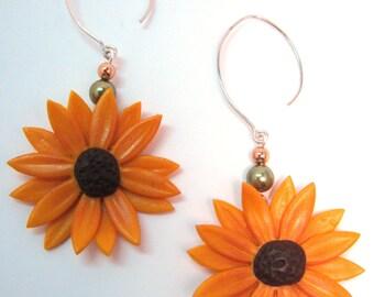 Black Eyed Susan Earrings - Polymer Clay - Sunflower Earrings - Orange and Brown Flowers - Sculpted Flower Earrings - Green Pearl Beads