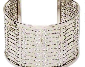 Bracelet, cuff, silver-finished steel, 49mm wide with mesh design, adjustable