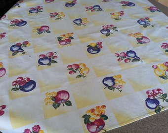 vintage fruit patterned bridge cloth