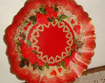 Vintage Cardboard Bowl, Candy Tray, Red Heart, Red Rose, Lace, Antique Gold Scallop Edge, Hallmark, Holiday Decor, Valentines Day  (752-15)