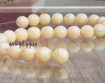 Ivory Cream Round Czech Glass Beads 6mm Druk 25