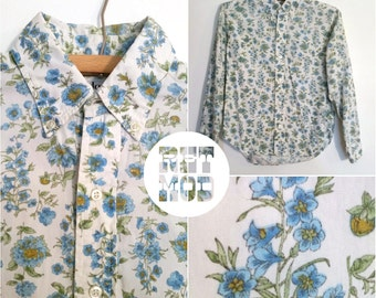 Comfortable Button Down Blue Green Floral Cotton Vintage 60s Blouse Shirt Top with Long Sleeves