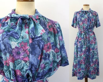 1970s Middy Dress Ascot Day Blue Teal Floral Abstract Pussybow Button Up Shirtdress Midi Short Sleeve Boho Tie Belt Vintage 70s Large L