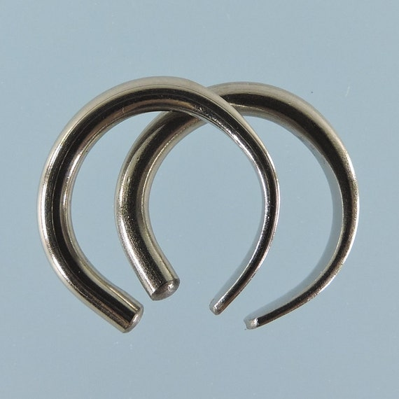 Niobium earrings: 12 gauge small horseshoe - KISS9-12