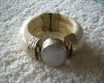 Vintage Ethnic Hinged Bone and Brass Chunky Cuff Bangle Bracelet with Hinged Pin Clasp. Great Find