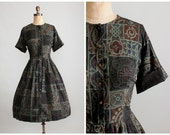 SALE!  Vintage 1950s Dress : 50s 60s Celtic Print Shirt Dress
