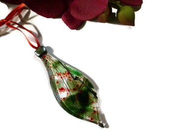 Retro Christmas Ornament, Fused Glass, Sun Catcher, Oblong, Green, Red