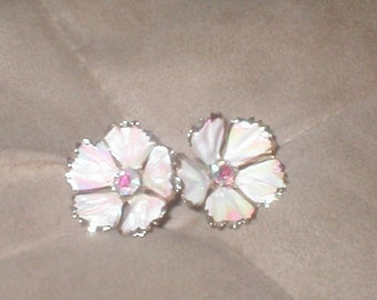 Vintage screwback Pink Flower Rhinestone Earrings