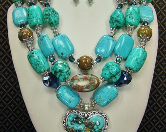 COWGIRL WESTERN NECKLACE / Triple Strand Statement / Howlite Turquoise Necklace / Cowgirl Necklace / Bridal Necklace - TRipLe TurQUoiSe FuN