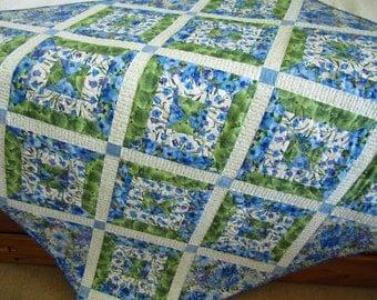 Homemade Quilt, Patchwork Quilt, Floral Quilt, Handmade Quilt, Wall Quilt, Lap Quilt, Pieced Quilt, Quilted Throw, Sofa