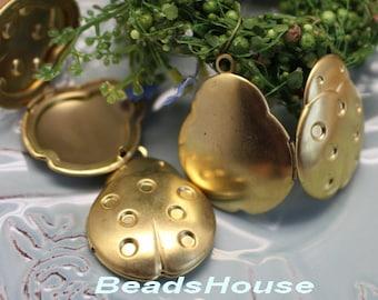 20%off: 2pcs - (20mm x30mm)  Raw Brass Lady Bird Lockets Pendant - Locket