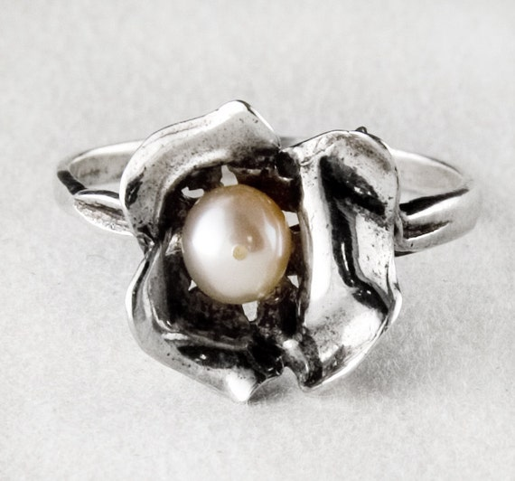 Cute Pearl Sterling Silver Flower Ring