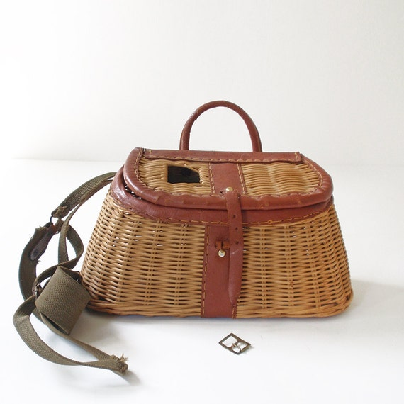 Vintage wicker creel fly fishing basket for Fly fishing creel
