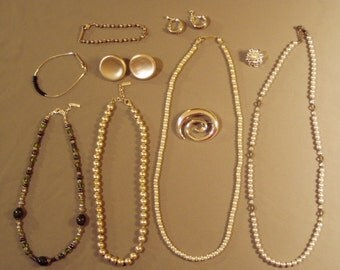 Vintage Lot Napier Signed Silver Tone Faux Pearl Glass Bead 4 Necklaces 2 Pairs Earrings 2 Pins Bracelet 8088