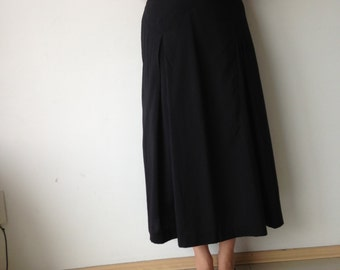 FASHIONABLE Vintage almost new soft rayon and polyester black maxi skirt