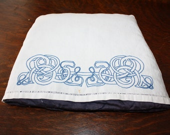 Vintage Embroidered Tea Cozy Celtic Knot With Padded Lining English