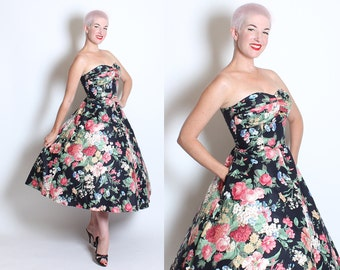 GORGEOUS 1950's New Look Inspired Polished Cotton Strapless Romantic Floral Party Dress w/ Gathered Pleated Shelf Bust & Pockets - M to L