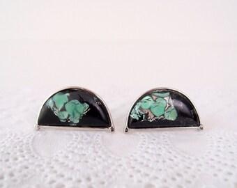 1960s Mid Century Modern Art Glass Cufflinks by Speidel / half-circle moons in black, silver, & sea glass green