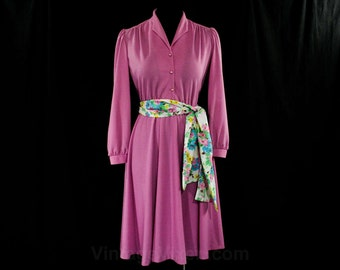Size 10 Mauve Jersey Knit Dress - Spring - Long Sleeved - 1970s - 1980s - with Floral Sash Belt - Orchid Purple - Bust 35.5 - 44595