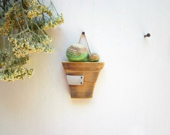 Reclaimed wood pot with cactus, Wall decor, wall hanging, personalized gift, wood carving, wood sign, wood label, One of a kind gift ideas