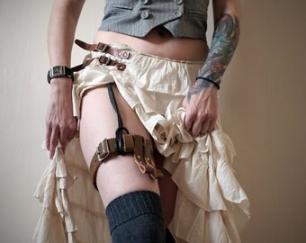 Unisex Leather Garter Belt - Carmel patent - steampunk - burning man - festivals -apocalypse, Please read Description for size