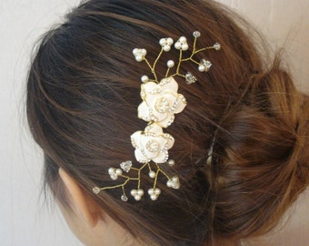 Bridal Flower Comb, Swarovski Pearls and Crystals, Gold or Silver Tone - Ships in 3-7 Business Days - Hanna