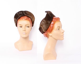 40s Peaked PONY FUR HAT / 1940s Brown Wool Felt Regal Crown