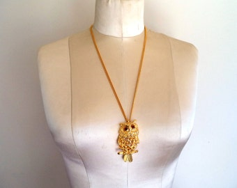 Vintage Tancer II Articulated Owl Pendant Necklace Gold Tone