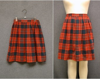 1970s Red Plaid Pleated Skirt