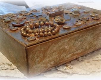 Cigar box, Altered Cigar Box, Mixed Media Montage, Dresser Accessory, Stationary Box, Keepsake Box, Treasure Box, Jewelry Box, Cigar Box