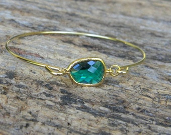 Gold Bangle Bracelet / Emerald Bracelet / Bridesmaid Gift / Bridesmaid Jewelry / Bridesmaid Bracelet / May Birthstone / Emerald Green Bangle