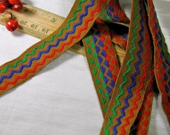 1 Yard Reversible Vintage Cloth Embroidered Pattern Trim - Brown Red Blue Green Pattern - Zigzag Pattern