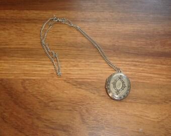 vintage necklace silvertone locket