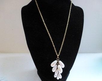 Vintage Vintage Necklace Pretty Faux Pearl Pendant Necklace