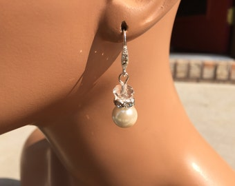 Crystal and pearl earrings - dangle earrings - wedding jewelry - bridesmaid earrings - bridal earrings