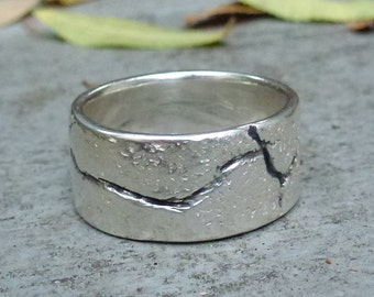 "Sterling Silver ""Fault Line"" Ring, Mens or Womens Band Ring, Silver Band Ring, Modern Silver Ring"