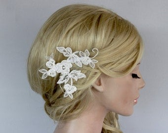 Floral Applique Flower Hairpiece Bridal Lace Headpiece, Decorative Hair Comb Fascinator, Beady Head Piece Comb, Minimal Wedding Hair Brooch