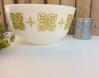 Vintage Anchor Hocking Fire King Mixing Bowl / Dutch Clover Avacado Green Pattern Bowl